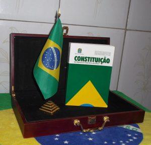 Bandeira_do_Brasil_Constitição_do_Brasil